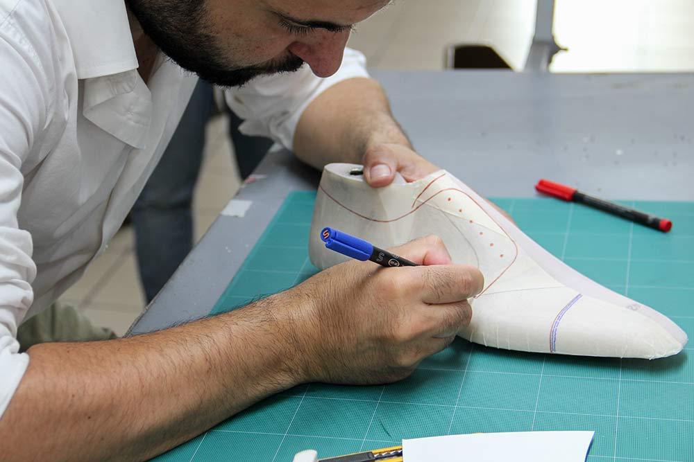 magasin d'usine 46046 1a390 News - Christian Louboutin Boutique en ligne - En direct de ...