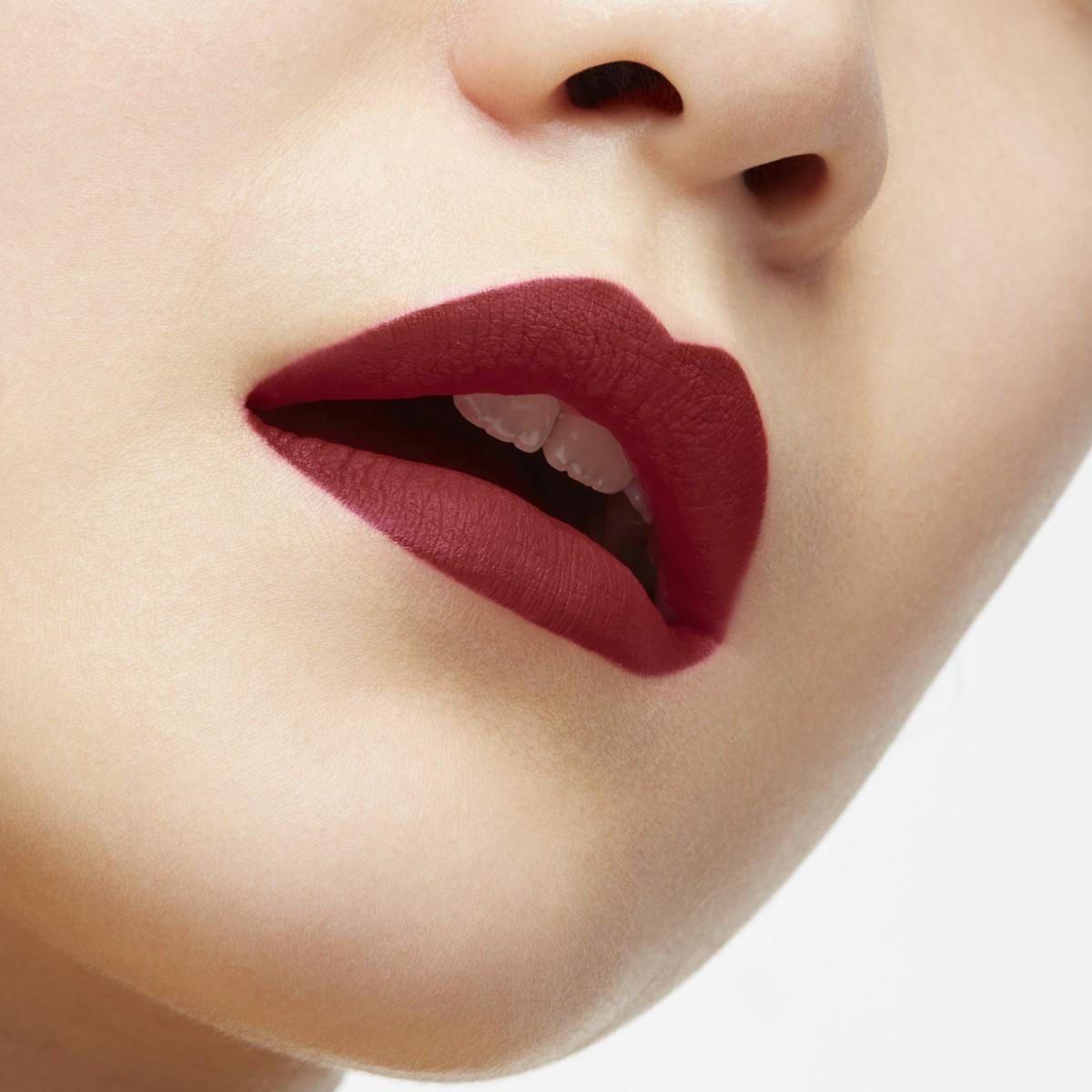 Beauty - Jackie Velvet Matte - Christian Louboutin